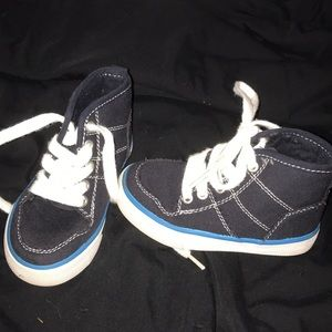 ‼️Worn once! Children's Place size 7 sneakers‼️